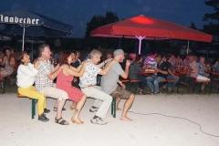 """""""Bobfahren"""" in Sommer auf dem Dorffest."""