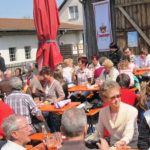 Gut aufgelegte Besucher genossen das Viehberger Maifest